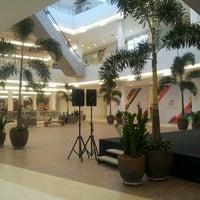Photo taken at North Shopping Jóquei by Tarcisio F. on 10/31/2013