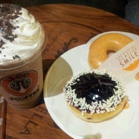 Photo taken at J.Co Donuts & Coffee by Norfadhilah A. on 12/13/2012