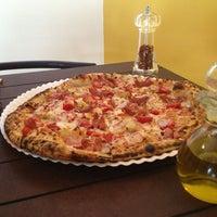Photo taken at Pizzería Di Doru by Pepe T. on 6/9/2013