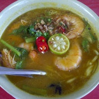 Photo taken at Warung Mee Udang Banjir by Ecam R. on 3/3/2013