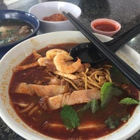 Photo taken at New Weng Fatt Cafe & Restaurant by Lynda L. on 9/30/2017