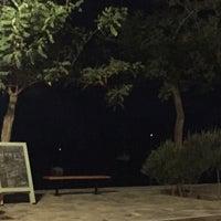 Photo taken at Απλό Bistro by Fragiskos M. on 8/16/2016