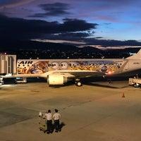Photo taken at Gate 20 by Tomo on 8/4/2017