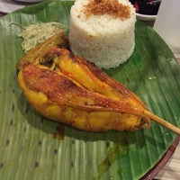 Photo taken at Chicken Bacolod by Akihito A. on 6/2/2016