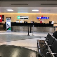 Photo taken at Super Shuttle Hobby Airport by Akihito A. on 3/29/2018
