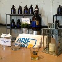 2/2/2013にMichelle H.がHalf Full Breweryで撮った写真