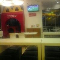 Photo taken at McDonald's by Brett on 2/6/2016