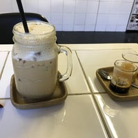 Photo taken at Espresso Lab Microroasters by Jonathan E. on 2/1/2018
