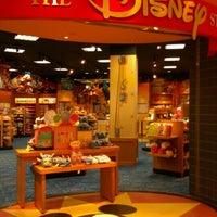 Photo taken at Disney Store by きっちゃん。 @. on 6/26/2015
