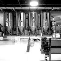 Das Foto wurde bei Monday Night Brewing von Hooty T. am 5/4/2013 aufgenommen