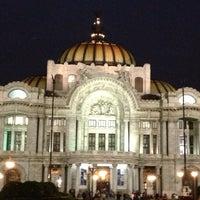 Foto tirada no(a) Palacio de Bellas Artes por Erik R. em 5/19/2013