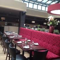 Photo taken at Butcher's Grill & Pasta by Karolina C. on 4/27/2014