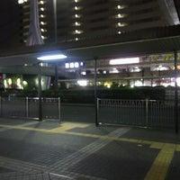 Photo taken at 京阪守口市駅 バスターミナル by ei2ei2_feather on 2/1/2017