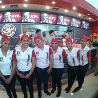 Photo taken at KFC ventura mall Santa Cruz by Madekadel O. on 4/15/2014