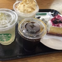 Photo taken at Starbucks by なーち ♪. on 6/12/2016