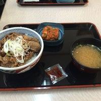 Photo taken at Yoshinoya by ちょくりん on 9/23/2015