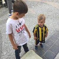 Photo taken at Hikmet Abi Çay Evi by Cengiz K. on 9/24/2017