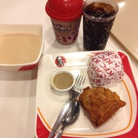 Photo taken at KFC Lucena town proper by ザンダー ロ. on 12/6/2013