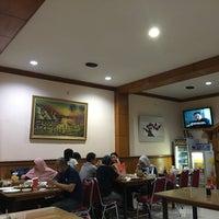 Foto tomada en RM Nelayan por Ferdinan el 4/12/2018