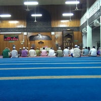 Photo taken at Masjid Al Ma'muriah by Mohd J. on 6/22/2013