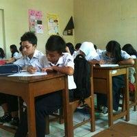 Photo taken at SMP Negeri 7 Bandung by Inggar R. on 9/23/2013
