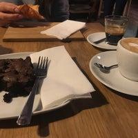 Foto scattata a 9 Bar Coffee da Héra L. il 11/25/2017