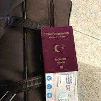Photo taken at Sabiha Gokcen Airport With Oyku by 🔜U M T🔚 on 10/9/2017