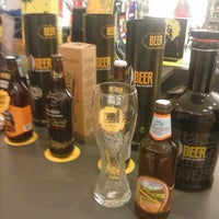 Photo taken at Mr. Beer Cervejas Especiais by Edione M. on 10/7/2014