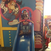 Photo taken at Chuck E. Cheese's by Claudette C. on 2/9/2013