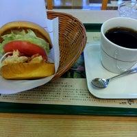 Photo taken at モスバーガー 嵐山バイパス店 by オッサン V. on 1/10/2016