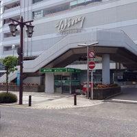 Photo taken at ウィング久里浜 京急ショッピングプラザ by オッサン V. on 5/31/2015