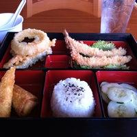 รูปภาพถ่ายที่ Sushi Itto โดย Lester M. เมื่อ 9/26/2012