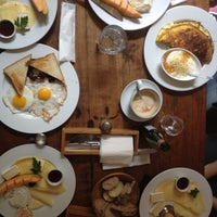 Das Foto wurde bei Café Maria von Lukasch am 5/1/2013 aufgenommen