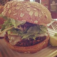 Das Foto wurde bei Liberty Burger von Oh Hey Dallas am 1/3/2014 aufgenommen