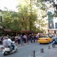 4/27/2013 tarihinde Aydın C.ziyaretçi tarafından Cihangir Kahvehanesi'de çekilen fotoğraf