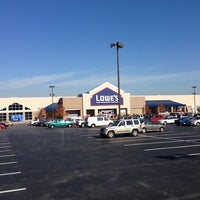 Photo taken at Lowe's Home Improvement by Sonny C. on 11/10/2014