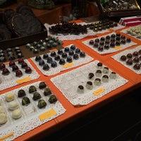 Photo taken at Cafetería Viena by Jordi L. on 9/2/2014