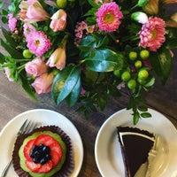 Photo taken at La Farine Boulangerie Patisserie by Parinaz H. on 2/3/2017