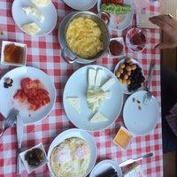 7/15/2017 tarihinde Istanbullziyaretçi tarafından Hacı Anne'nin Yeri Gözleme ve Kahvaltı Evi'de çekilen fotoğraf