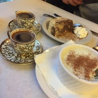 Photo taken at Bosphorus Istanbul Cafe by Abdulmailk A. on 12/2/2016
