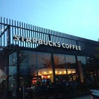Photo taken at Starbucks by jetpod_kyoto on 11/10/2012