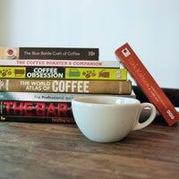 5/14/2015 tarihinde Montag Coffee Roastersziyaretçi tarafından Montag Coffee Roasters'de çekilen fotoğraf