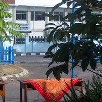 Photo taken at SMA Negeri 4 Magelang by Oggie J. on 9/21/2013