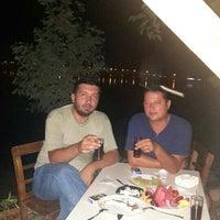 Photo taken at Balıkçı Horuz dayının yeri by Ferhat A. on 8/18/2015