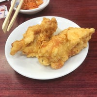 Photo taken at 餃子の王将 今津店 by 河豚会長 迷. on 11/22/2017