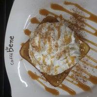 Photo taken at caffé bene by 해솔 김. on 4/8/2015