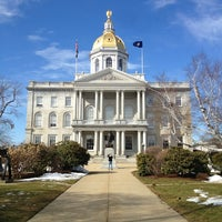 Foto tirada no(a) New Hampshire State House por Zach L. em 3/13/2013