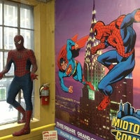 Foto scattata a Midtown Comics da Jimmy L. il 1/15/2013