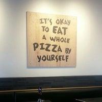 Foto tomada en California Pizza Kitchen por Mauricio O. el 2/11/2014