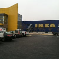 Foto tirada no(a) IKEA por Heather F. em 12/1/2012